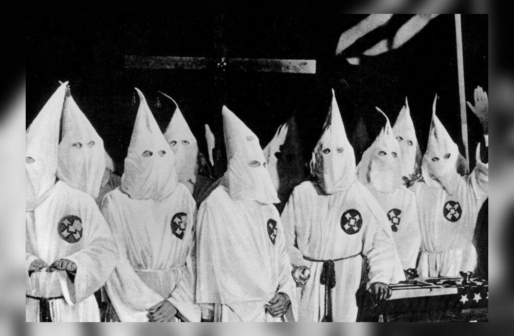 Georgia osariik ei luba Ku Klux Klani teepeenarde koristustalgutele