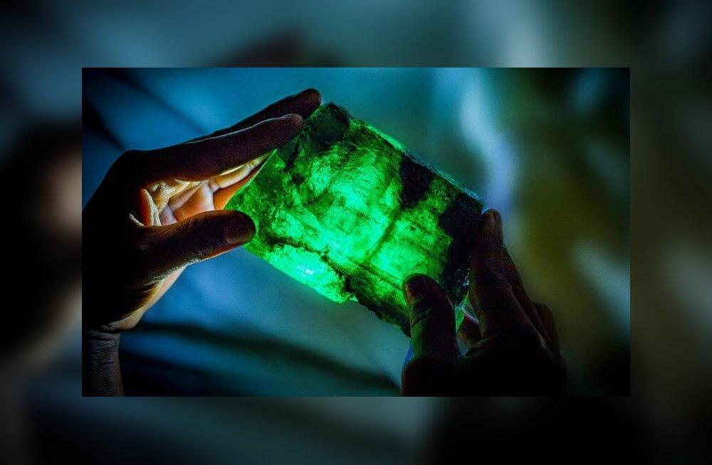 FOTOD | Aafrikas leiti iPhone'i suurune smaragd