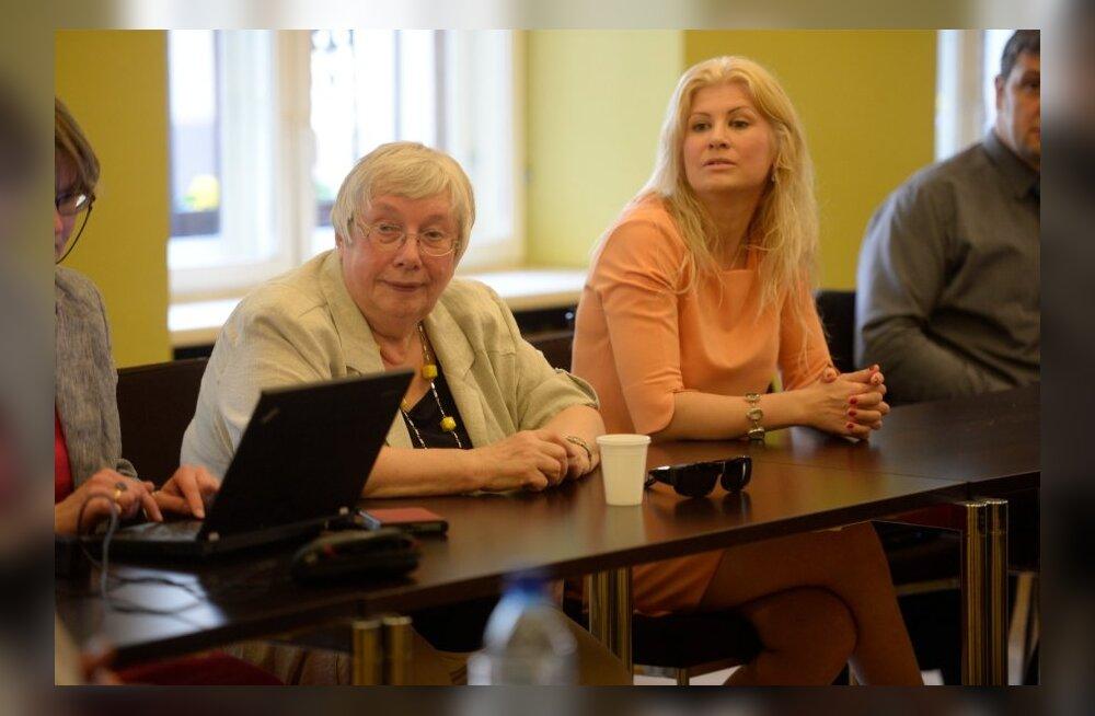 ФОТО DELFI: Состоялось первое собрание комиссии по русскоязычному инфопространству