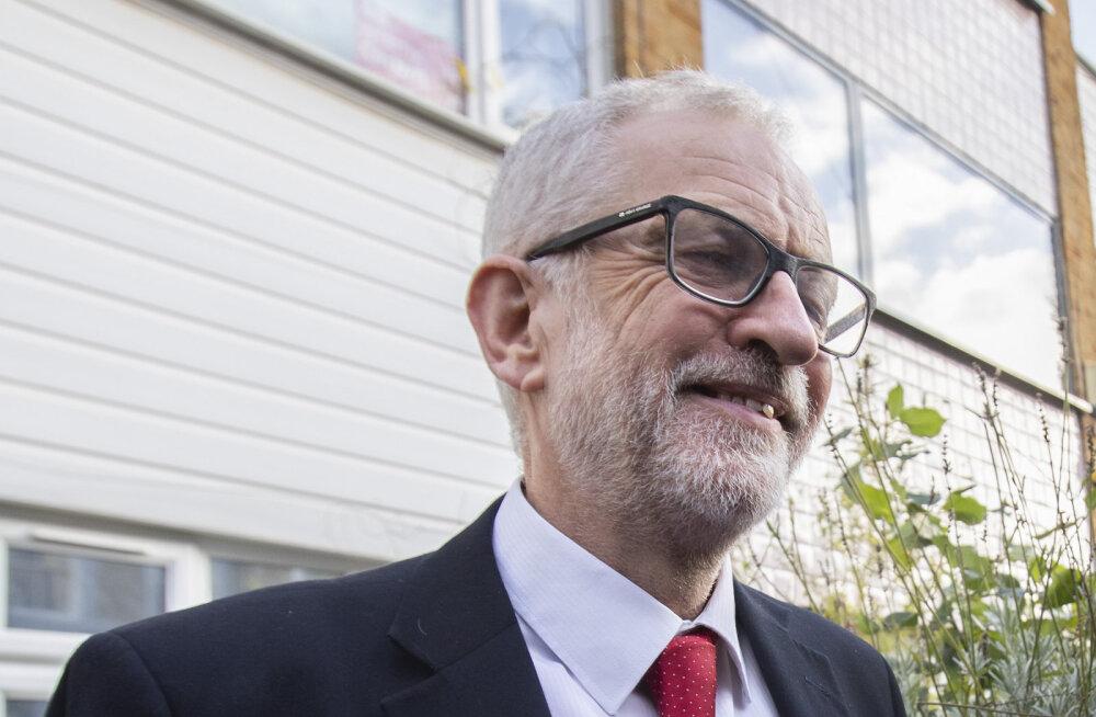 Jeremy Corbyn vabandas hävitava tulemuse pärast, ent tagasi veel ei astu