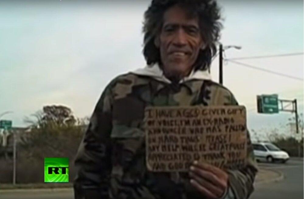 Saatuse keerdkäigud! Loe, kuidas kodutu kuldkõri pärast ülemaailmset menu ja rikkust tagasi kodutute varjupaika jõudis