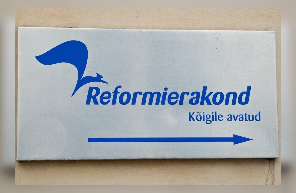 Viljandis politseinikke peksnud jõugu kaks liiget kuuluvad Reformierakonda