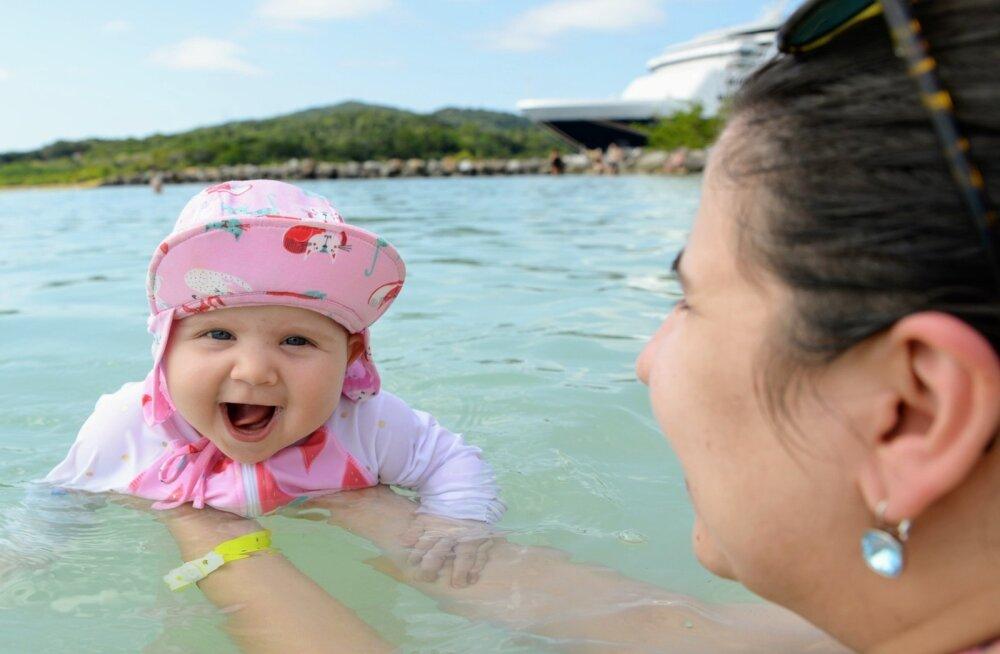 c811ffcb5a7 Linda esimene ujumine väljaspool basseini oli Kariibi meres Hondurases.