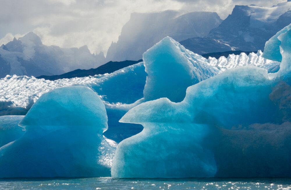 Antarktika lumes on kosmilist rauda