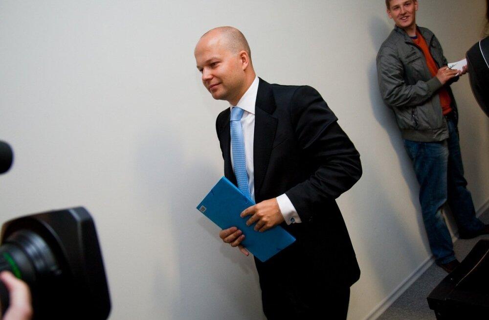 Kosovo keskpank sulges eestlaste kasumliku laenuäri. Ettevõtte juht: võib-olla üritab keegi sogases vees kiiresti kala püüda