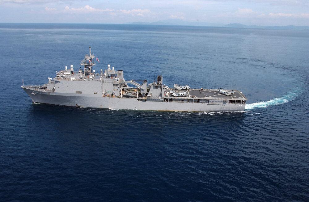Десантный корабль ВМС США направлен в Черное море