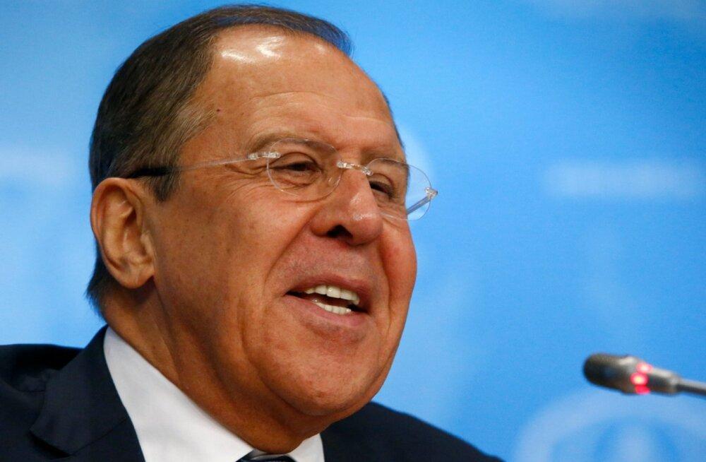 Lavrov: Venemaa valitsusvastastel meeleavaldustel käivad naiseks riietatud USA diplomaadid