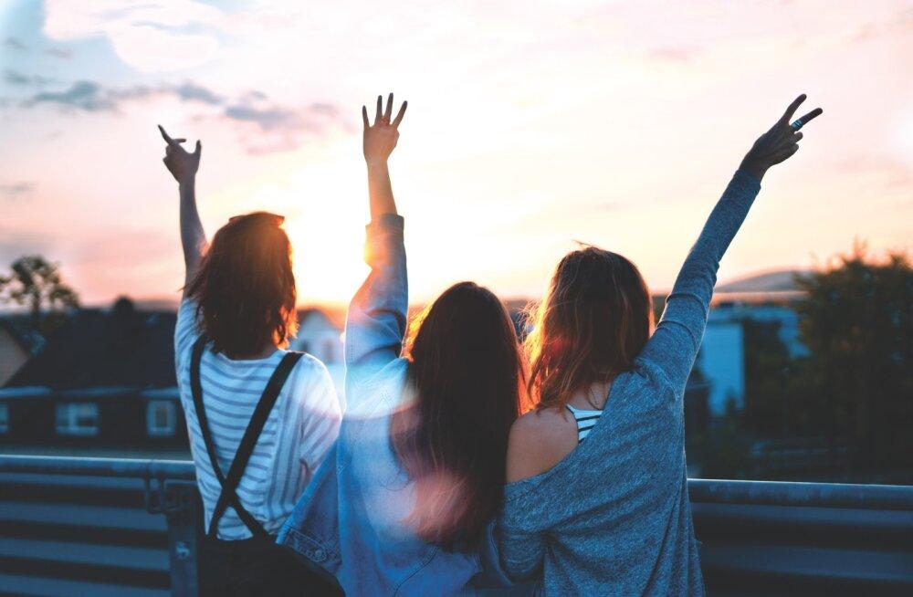 Murelik lugeja palub abi: sõbrannad ei saa aru, et mul on uus ja värske suhe ja nad täiega väldivad mind