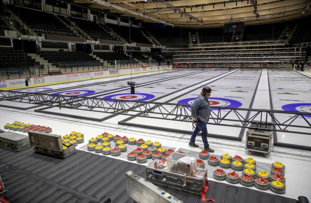 Tondiraba jäähallis valmistutakse jääkeegli EM-iks.