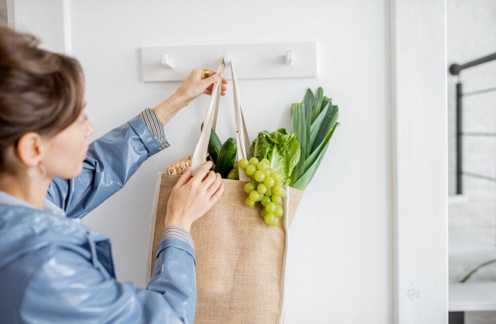 Mikrobioloog annab nõu: 5 esimest asja, mis koduuksest sisenedes ära tuleks teha, et oma tervist kaitsta