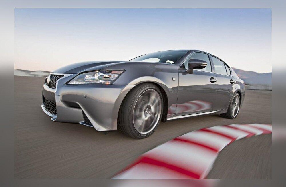 Lexus GS 450h F-Sport NUMBRID 3456 cm3, V6, tagavedu, 338 hj, 345,7 Nm, 5,9 l/100 km, 137 g CO2/km, 0–100 km/h 5,9 sek, 250 km/h, 1820 kg. GS 250 hind alates 44 900 eurost.