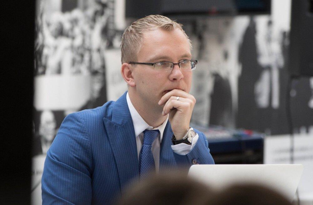 Endise TTV töötaja sõnul on kanali rahamurede põhjus Taavi Puki ebakompetentsus.