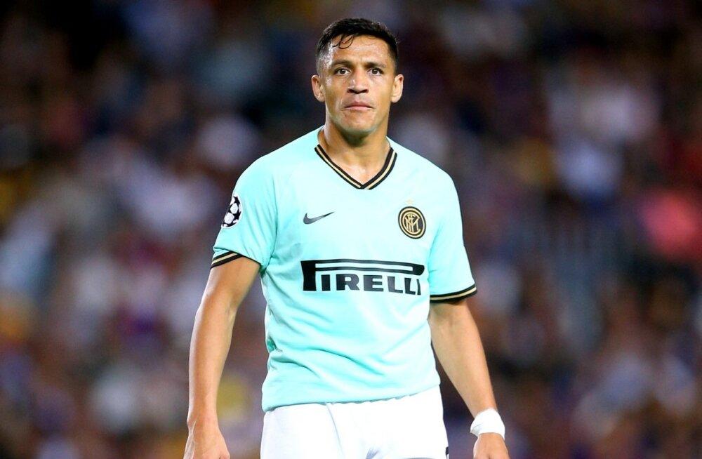 Alexis Sanchez kannab praegu Milano Interi särki, kuid põhiliselt laekub palk talle ikkagi Manchesterist.