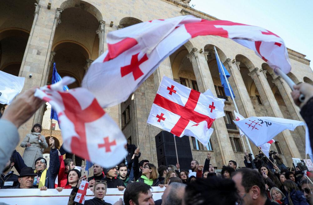 Новый год в Тбилиси: оппозиция выходит на акцию протеста