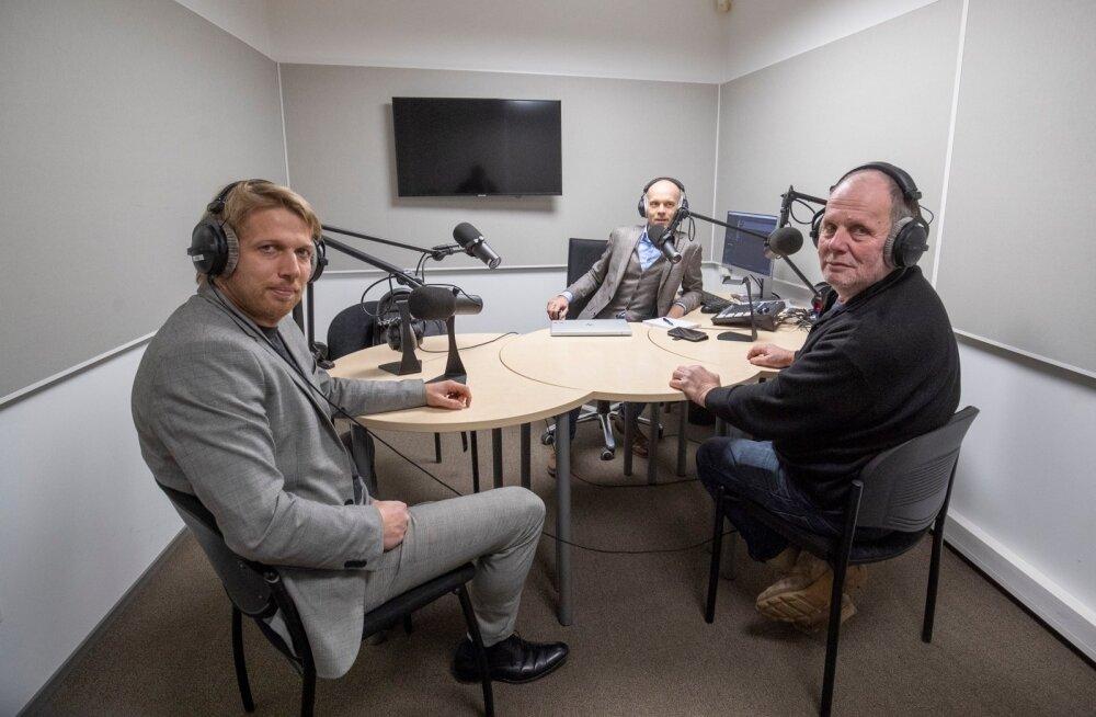 Jaanus Karilaid, Raimo Poom ja Peeter Ernits Delfi stuudios
