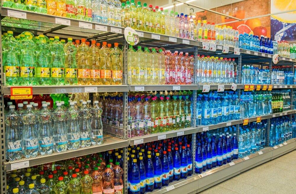 HOMSES MAALEHES: Eestimaalased on hakanud rohkem jooma. Pudelivett