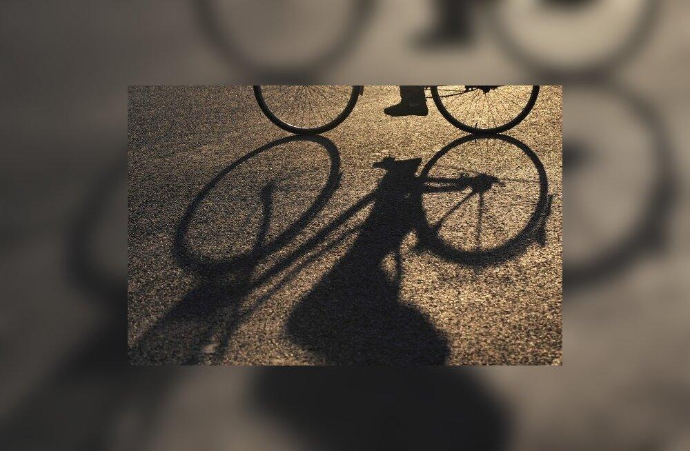 Saaremaa jalgratturid varastati Leedus paljaks