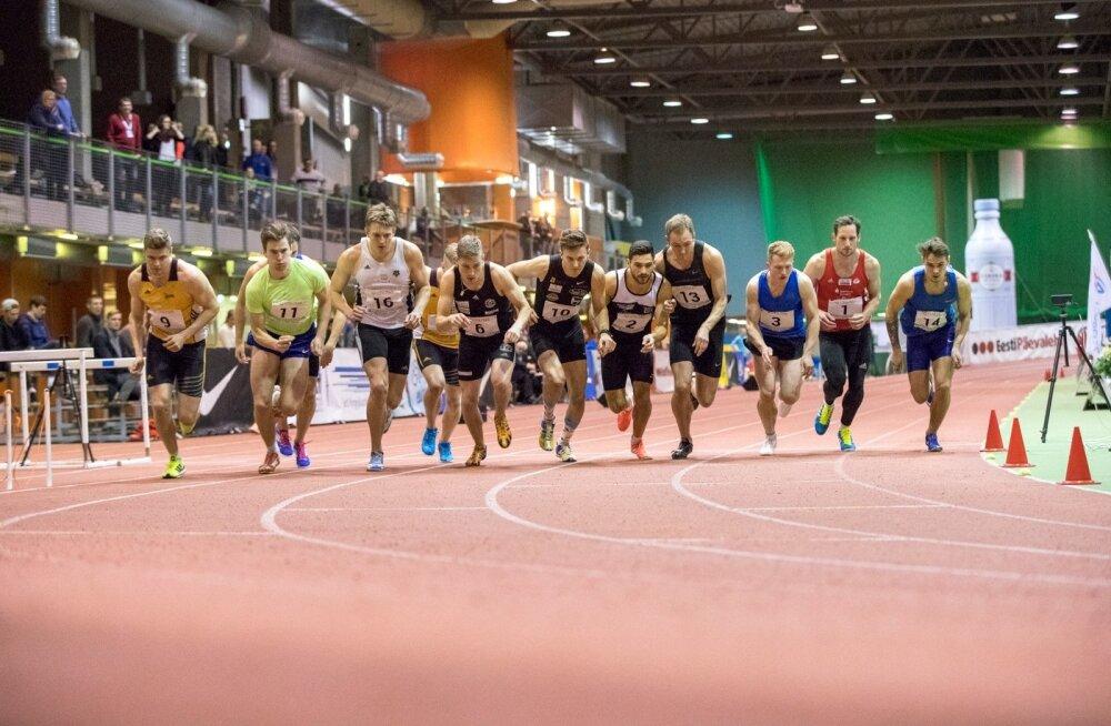 Tallinnas peetud rahvusvahelise mitmevõistluse 1000 meetri start. Taavi Tšernjavski (nr 10), Karel Tilga (13) ja Hans-Christian Hausenberg on kõik võimelised püüdma Berliini EM-i normi.