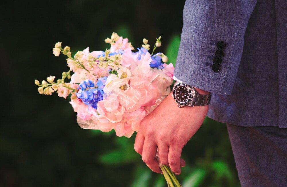 Pane tähele: kuus romantilist žesti, mis on tegelikult hirmutavad ohumärgid