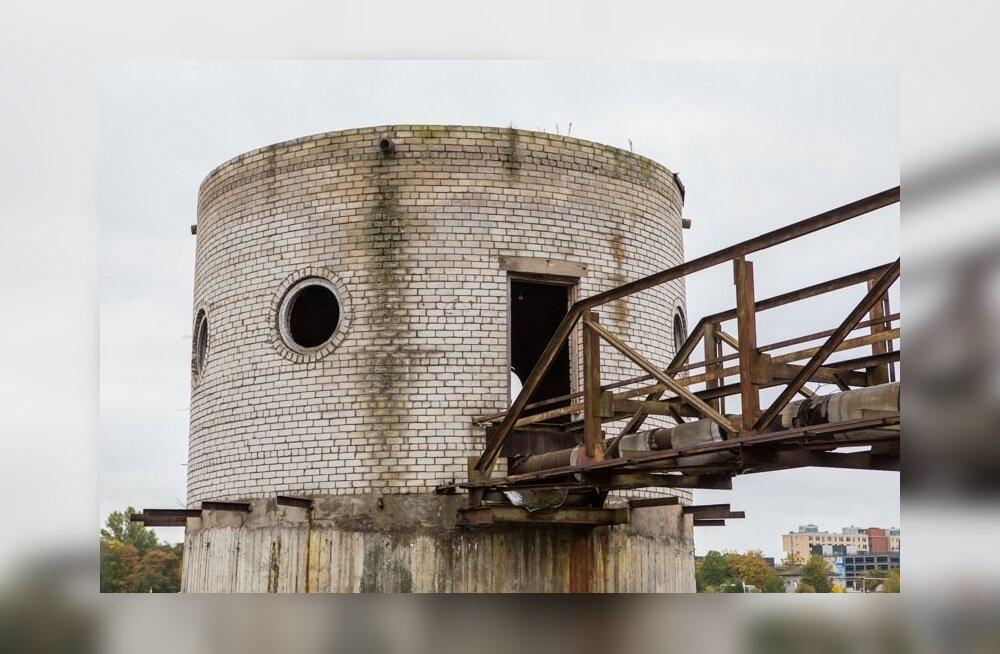Vana torn Pärnu jõel