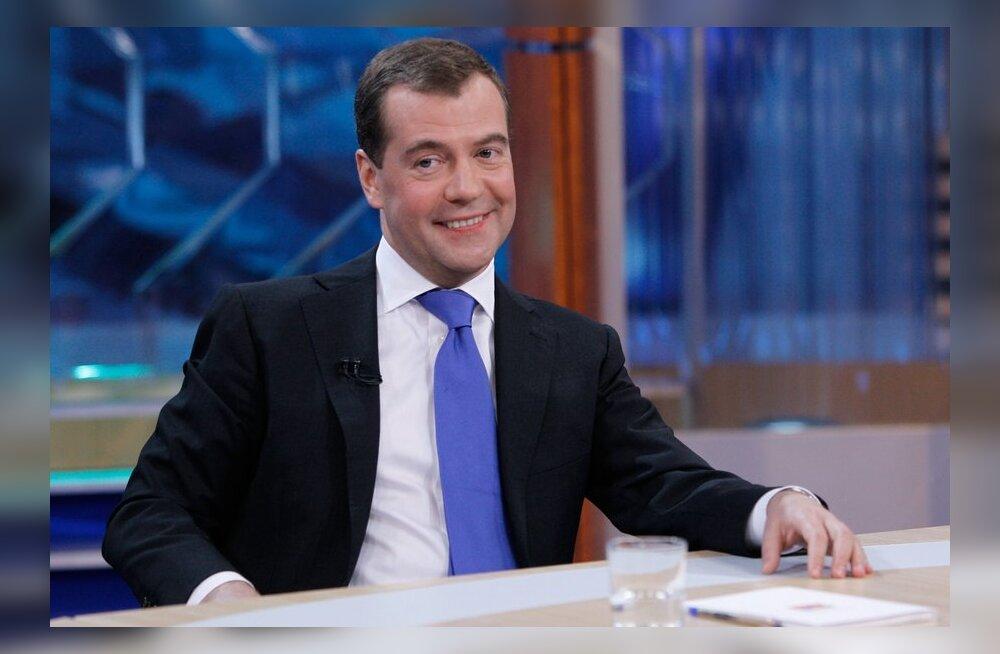 VIDEO: Peaminister Medvedev hakkas rääkima tulnukatest