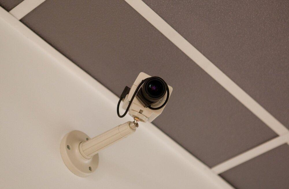 Kaamerate paigaldamise ja töö tegemise filmimise näol on tegu isikuandmete töötlemisega.