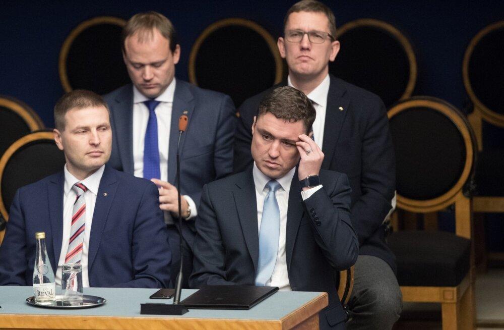 Riigikogu avaldas peaminister Taavi Rõivasele umbusaldust