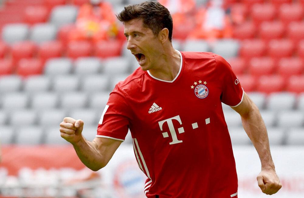 Robert Lewandowski valiti mäekõrguse eduga UEFA aasta jalgpalluriks