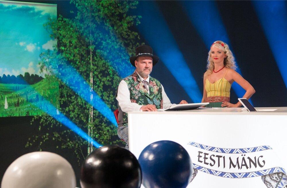 """Juuli keskel jõuab ETV ekraanile mälumängusarja """"Eesti mäng"""" värske hooaeg, mida juhivad Gaute Kivistik ja Jaana Heeringson."""