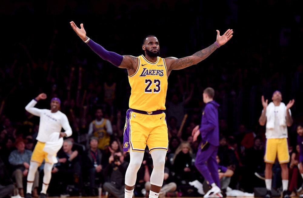VIDEO   LeBron James möödus Karl Malone'ist, Durant viskas kuuendat korda üle 50 punkti