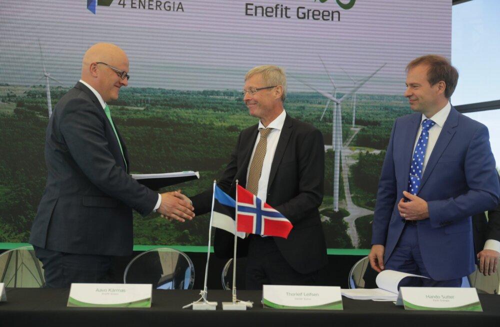Enefit Green ostis Nelja Energia ligi poole miljardi euro eest mullu mais. Pildil õnnitlevad üksteist Enefit Greeni juht Avo Kärmas, Nelja Energias 77% osalust omanud Norra firma Vardar juht Thorleif Leifsen ja Eesti Energia juht Hando Sutter.