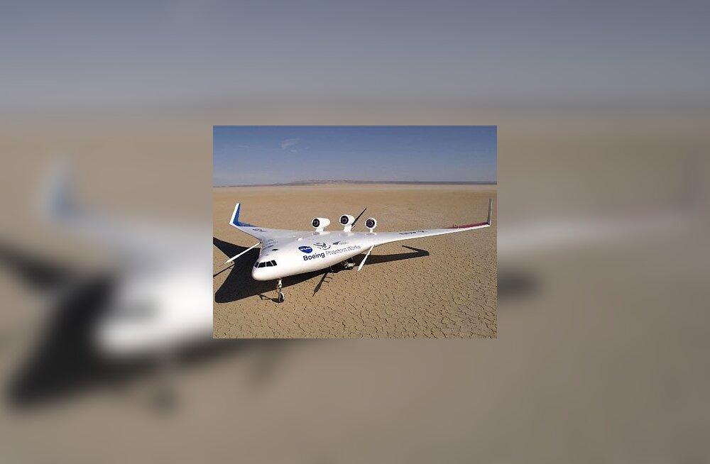 Boeingu ja NASA ühiskatsetustes olev X-48B