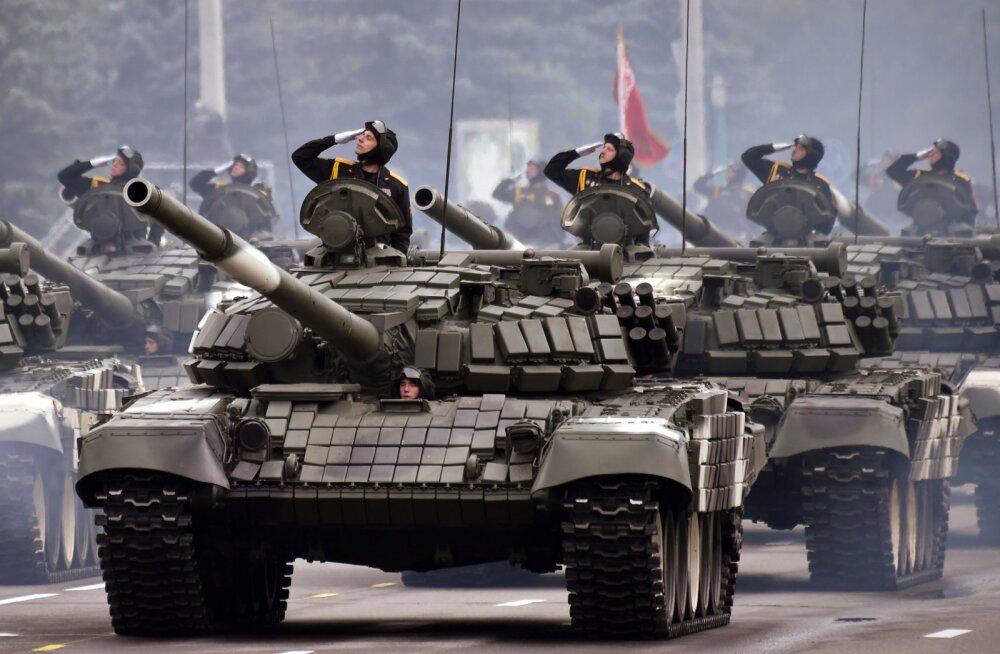 Valgevene armee viib suurtükiväebaasid ja tankireservi kõrgeimasse lahinguvalmidusse