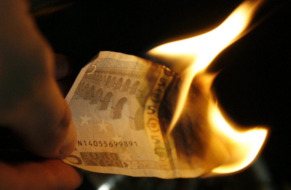 Sorose arvates podiseb juba järgmine üleilmne finantskriis. Eurol ei tohi lasta hävitada Euroopa Liitu