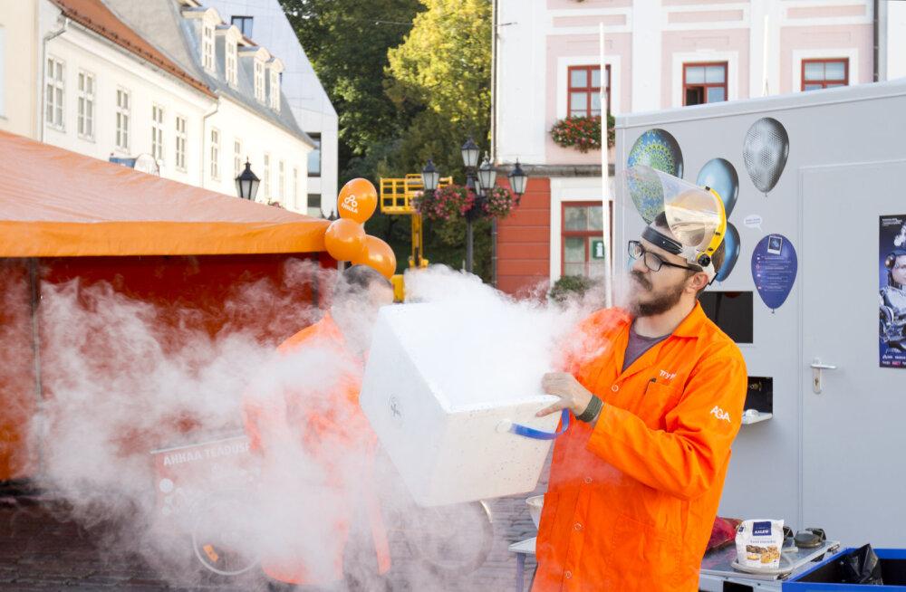 Täna algaval Teadlaste Öö festivalil teevad debüüdi lahingurobotid