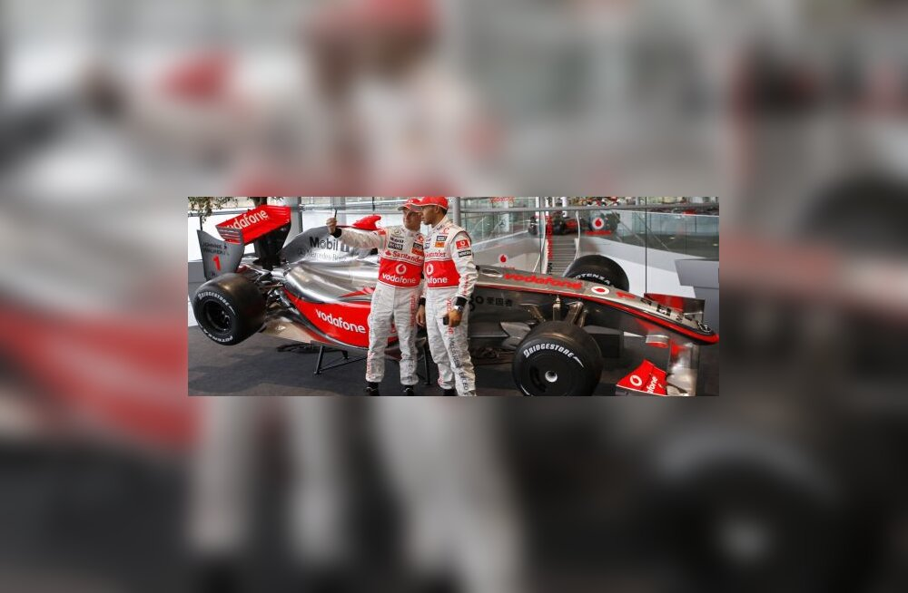 McLareni sõitjad Heikki Kovalainen ja Lewis Hamilton