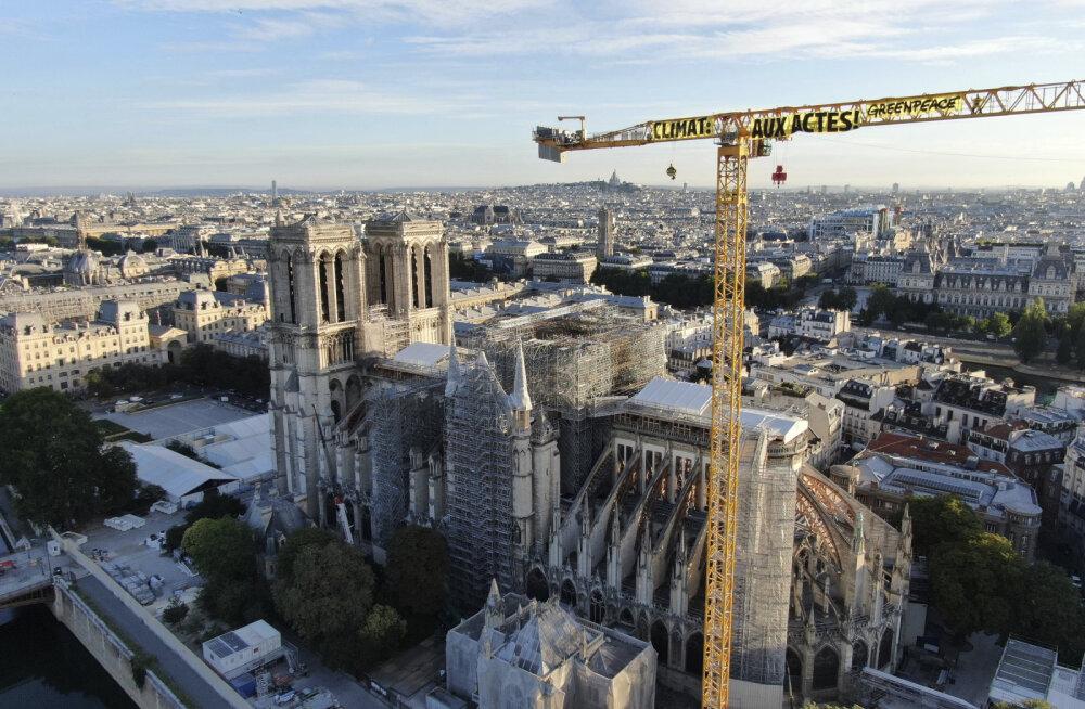 Macroni sõnul taastatakse Pariisi Jumalaema kiriku haritorn endisel kujul
