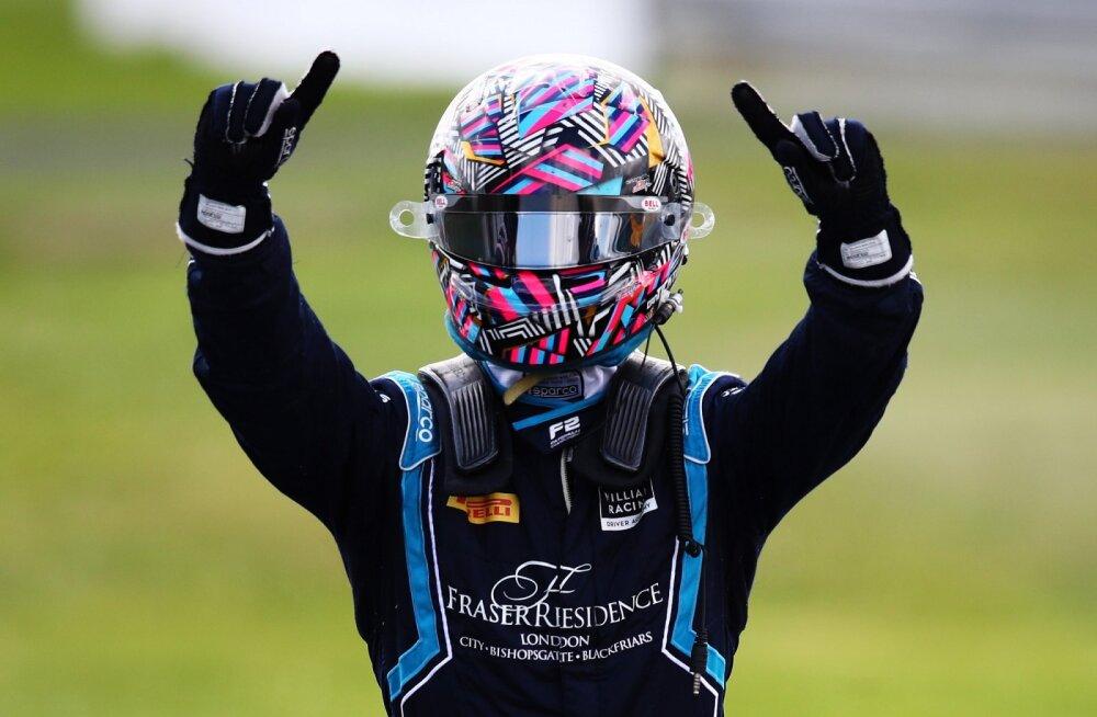 Red Bulli poolt üle parda visatud piloot võitis esimese F2 etapi ja andis doktorile ninanipsu