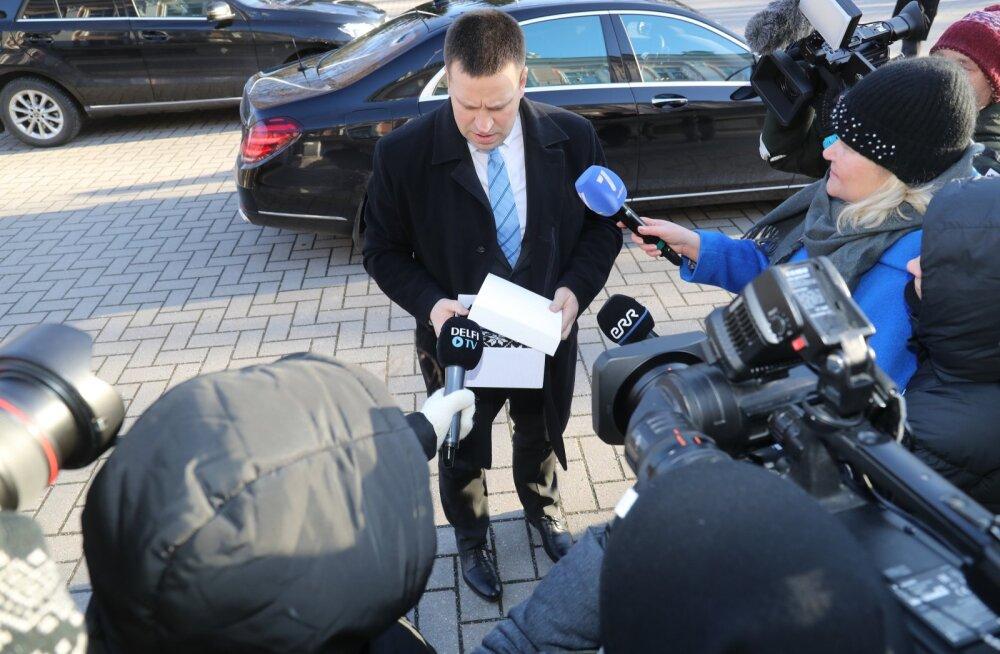 ФОТО | Керсти Кальюлайд встречается в Кадриорге с правительством. От EKRE пришел лишь один министр