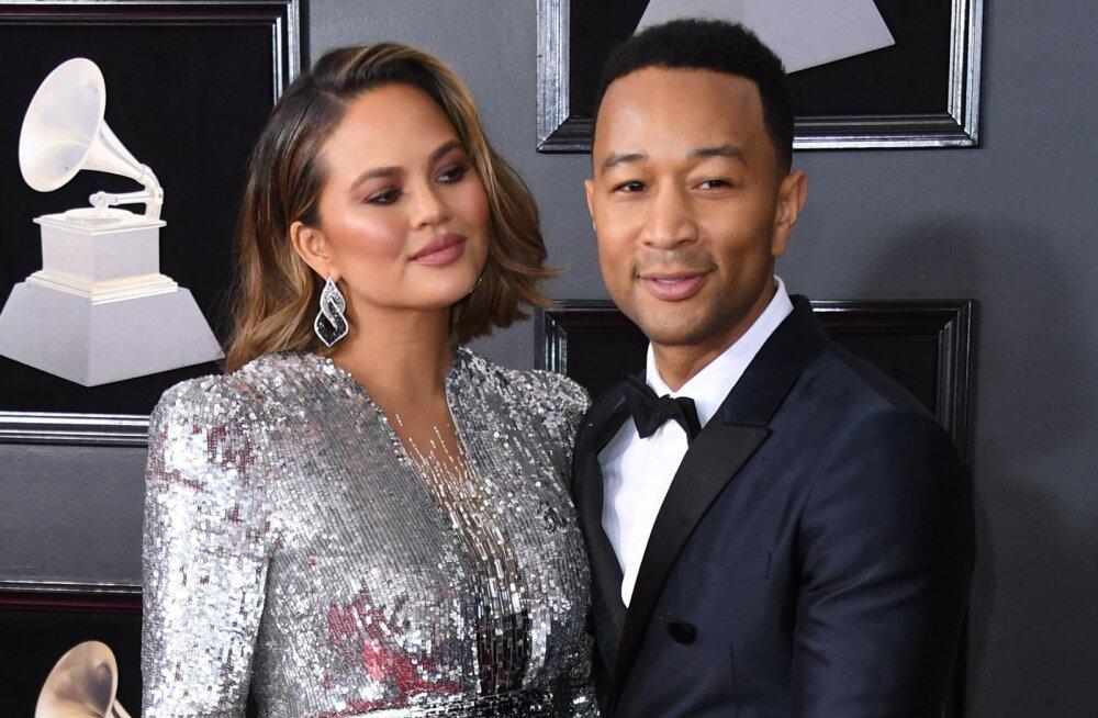 Muusik John Legendi ja Chrissy Teigeni duett on üks armsamaid asju, mis inimeste südameid selle aasta valentinipäeval sulatas