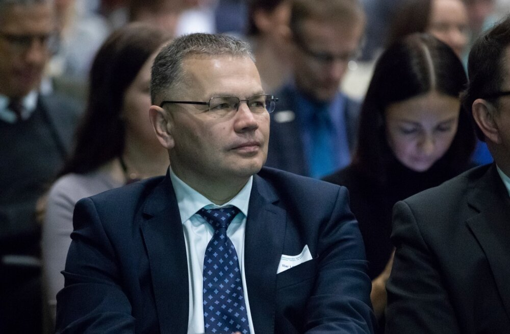 Endine maaeluministeeriumi kantsler Illar Lemetti sai ametist priiks, sest julges avalikustada minister Mart Järviku nõuniku Urmas Arumäe halba valgusse seadnud kirjavahetuse.
