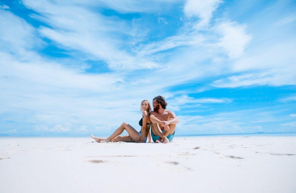 Unistad kuumast seksist rannaliival? Siin on üheksa kõige ebameeldivamat asja, mida rannas vallatlemine endaga kaasa toob