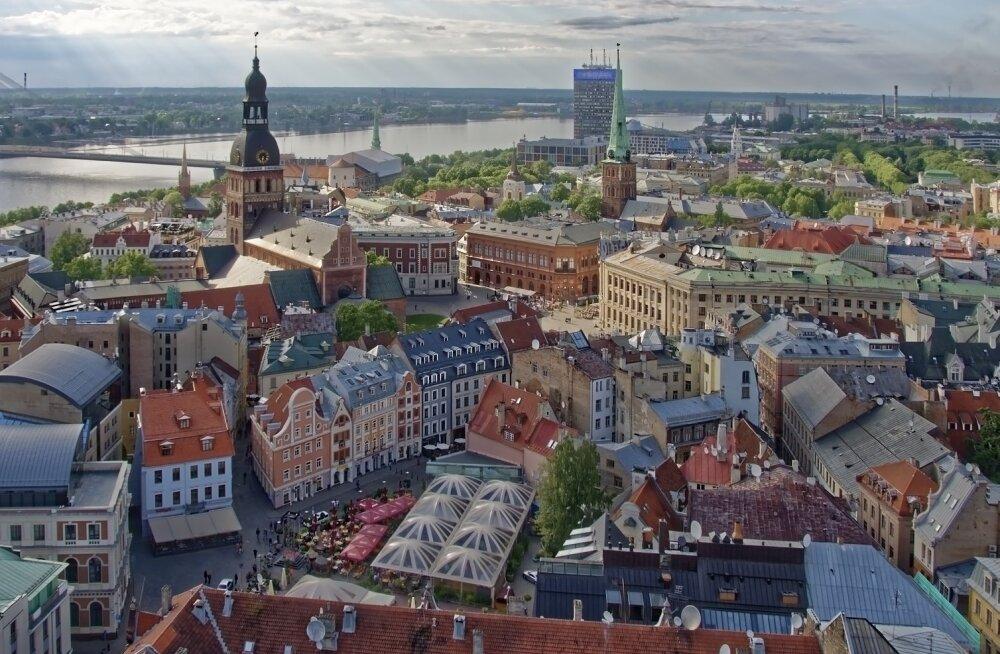 Латвия ввела новые Covid-ограничения: со среды действует масочный режим