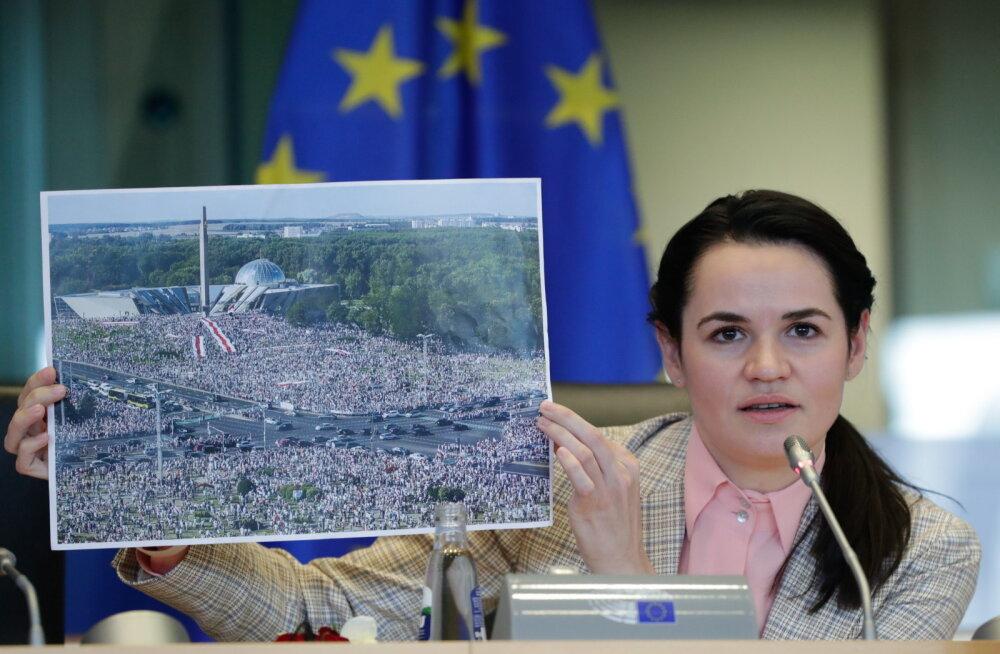 """""""Если нужно, мы будем протестовать годы"""". Тихановская в Брюсселе призвала ЕС вводить санкции"""