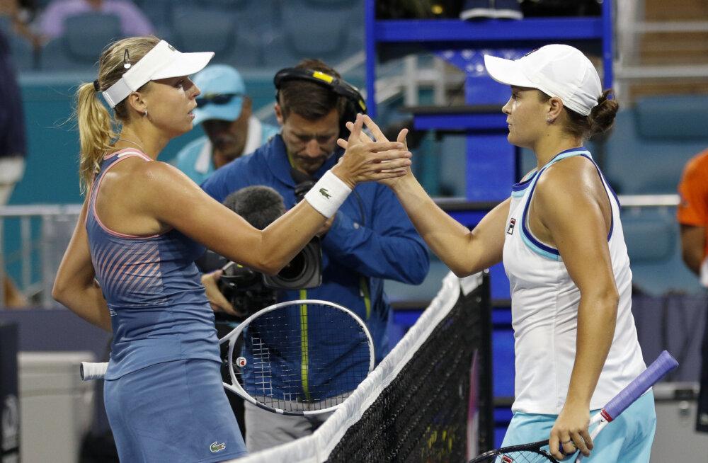Kontaveit kaotas vihmapauside tõttu pikaks veninud Miami Openi poolfinaalis Bartyle kahes setis