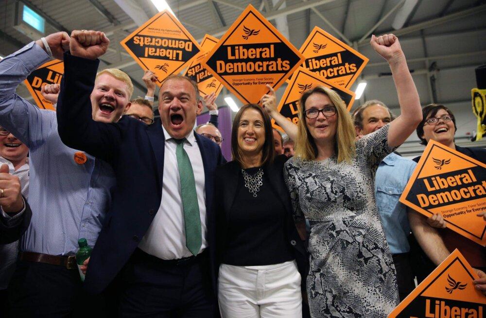 Johnsoni koht peaministrina ohus? Tooride parlamendienamus pelgalt ühekohaline