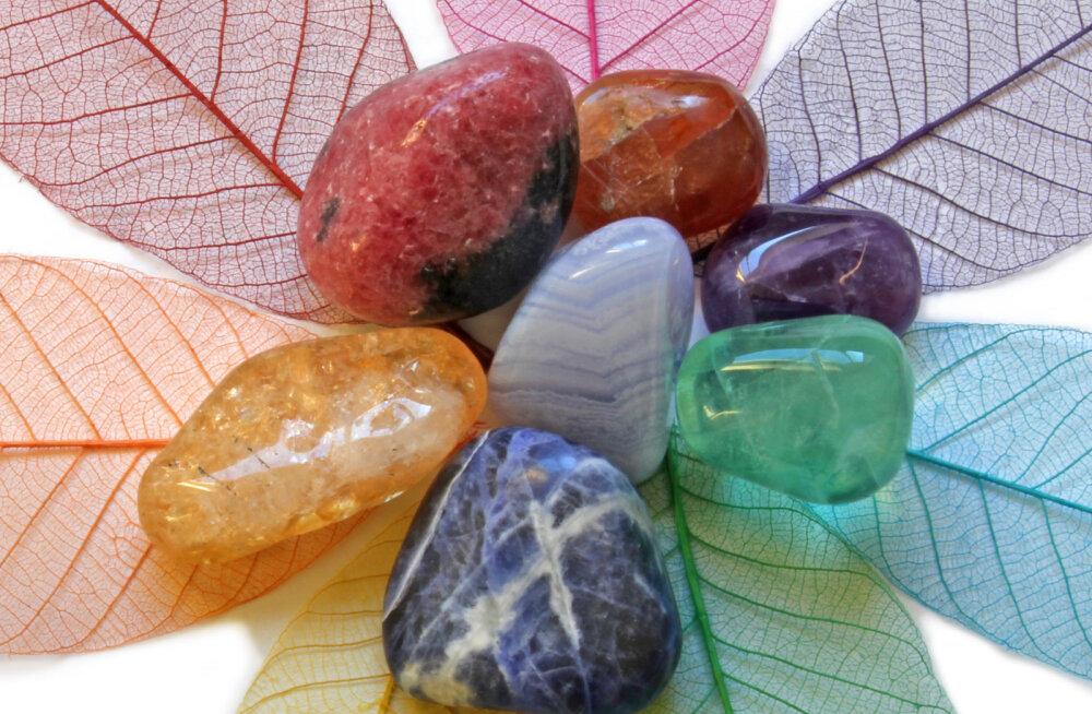 Kristalliteraapia korrastab tšakrate tööd ning tervendab sinu keha ja vaimu