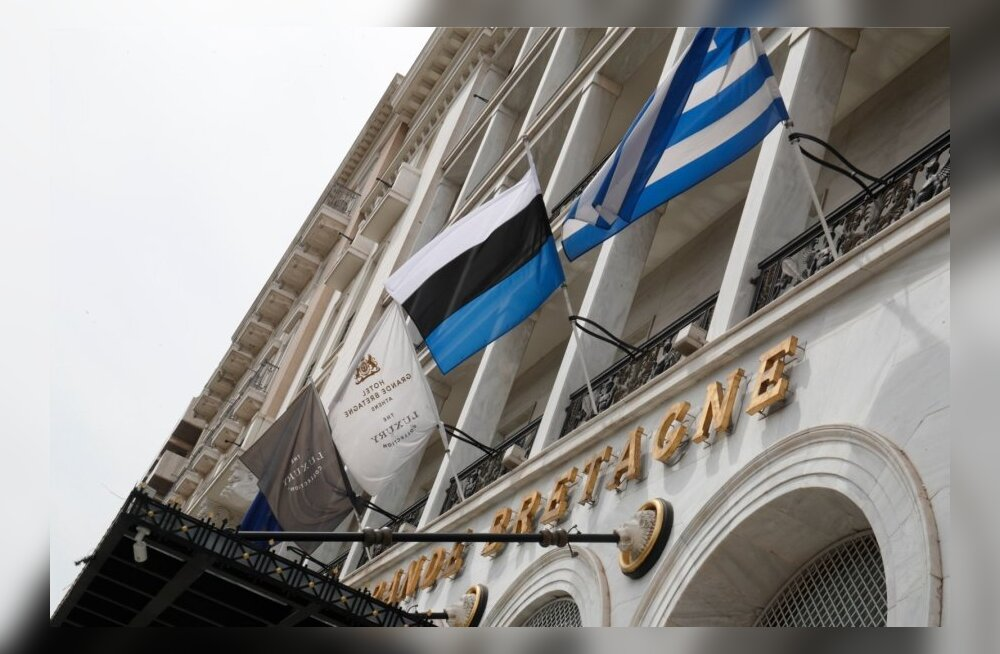 Визит Кальюлайд в Грецию: перевернутый эстонский фраг и золотые столовые приборы