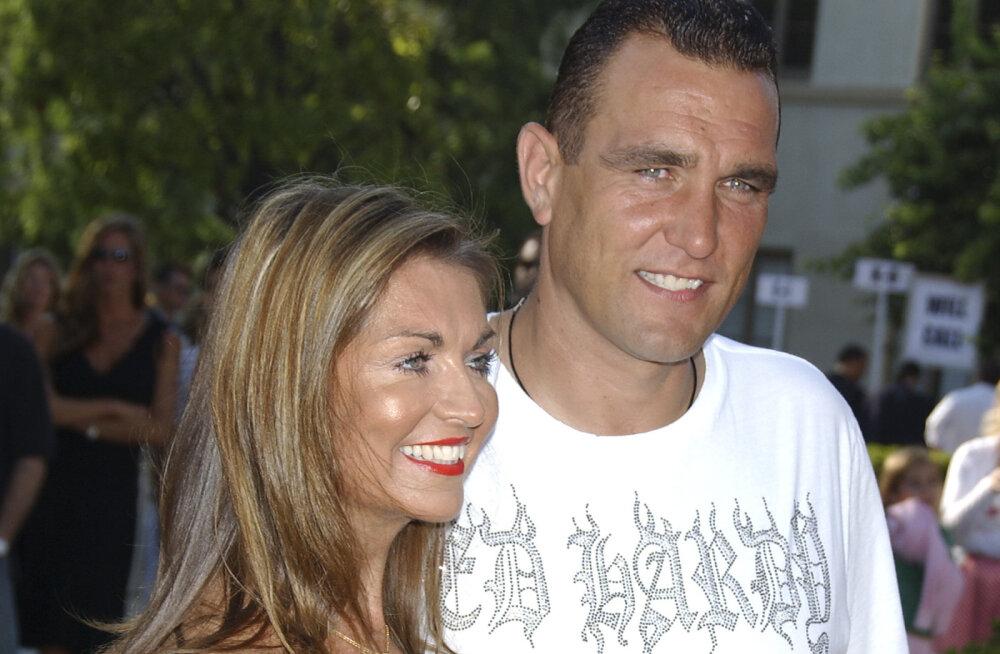 Vinnie Jones koos Tanyaga