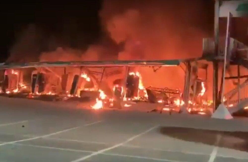 VIDEO | Elektrimootorrataste sari algas katastroofiga: kõik 18 võistlusratast põlesid maani maha
